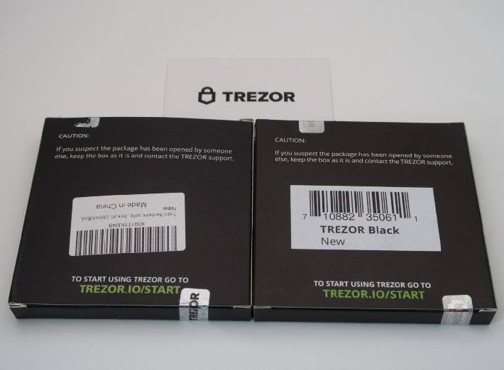 オリジナルのTrezor Box(右側)とは対照的に、偽のTrezor Box(左)